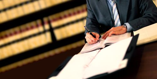 Personal Injury Lawyers | What to Expect in a Deposition?