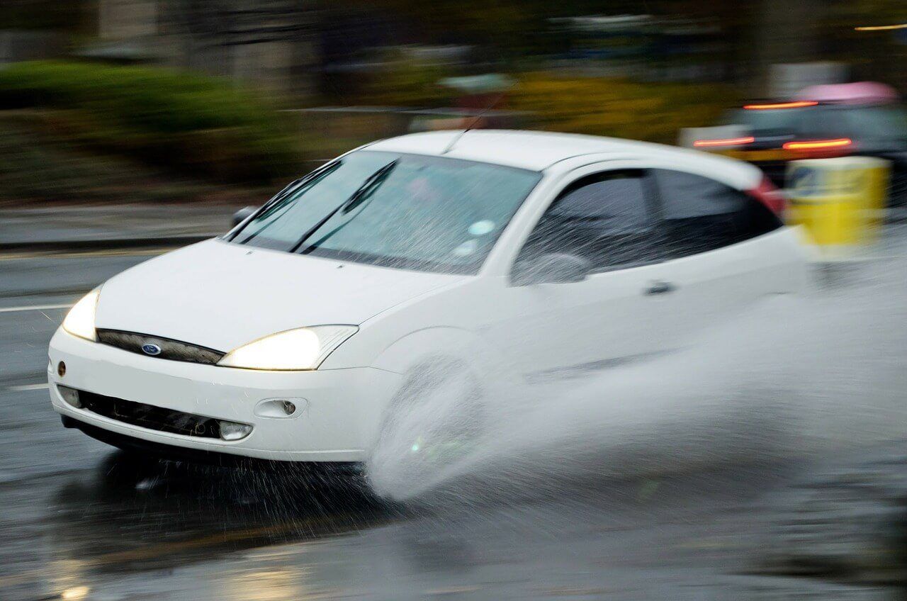 How to Drive in Rain: 5 Quick Tips
