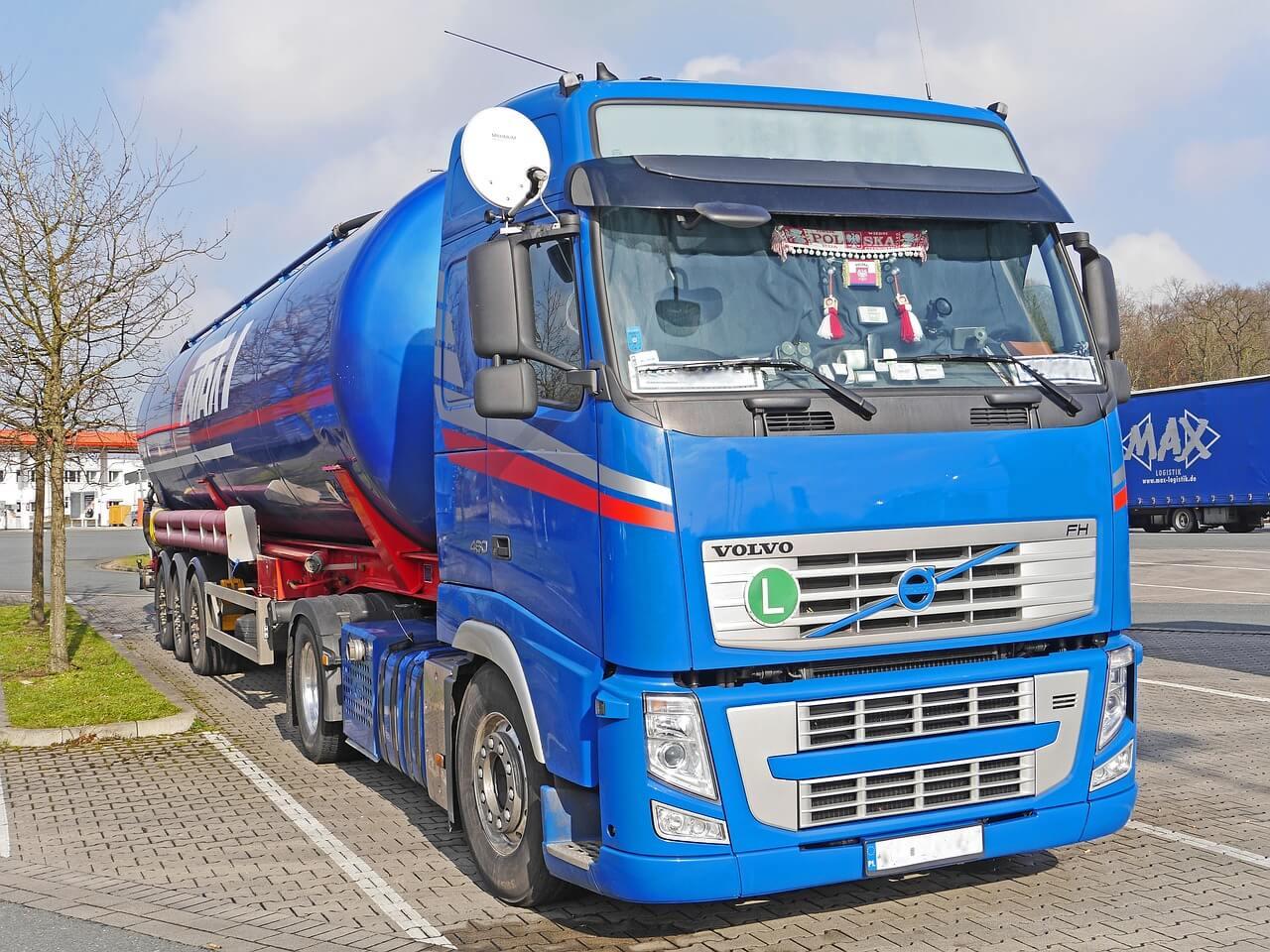 Will Self-Driving Semi-Trucks Make Our Roads Safer?